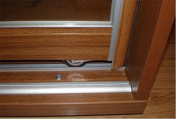 Фото устройства механизма двери