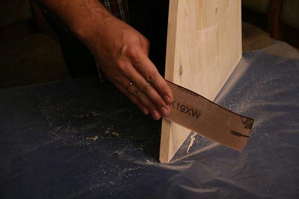 Фото обработки срезов наждачной бумагой
