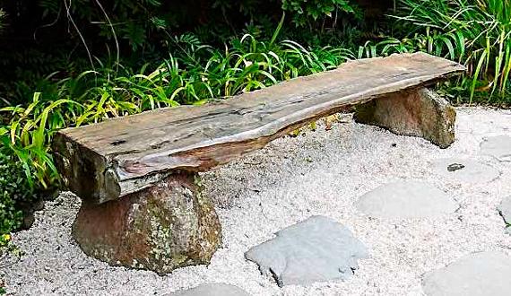 Скамья из бревна