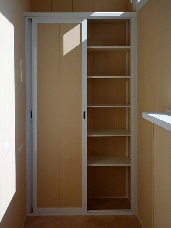 Двери шкафа