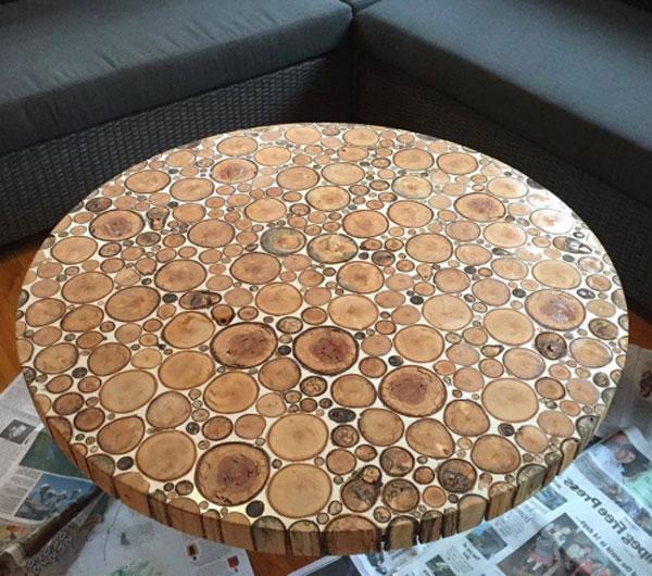 Фото стола из спила дерева