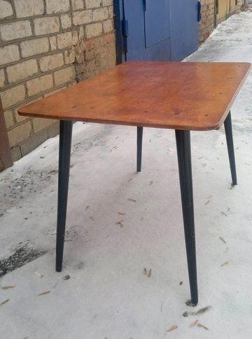Стол из табуретки