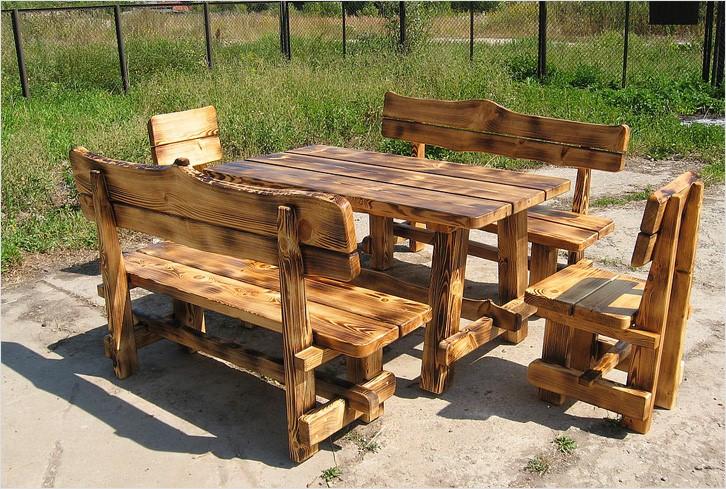 Из чего сделать уличный стол: обзор материалов