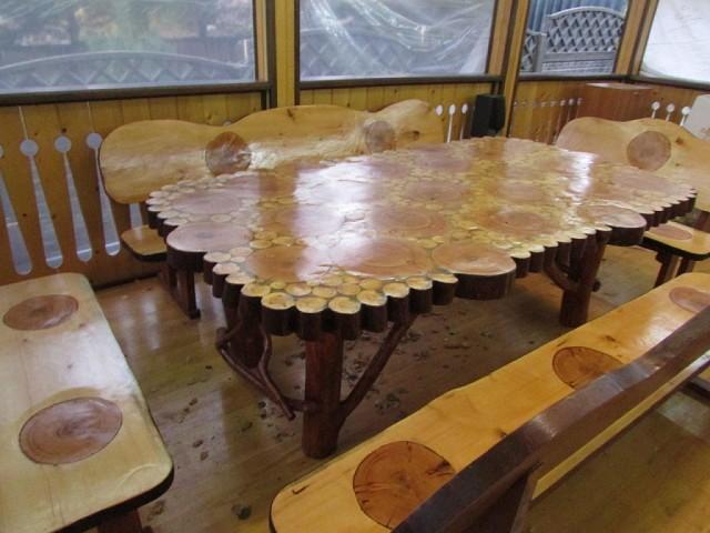 Поверхность с деревянными спилами