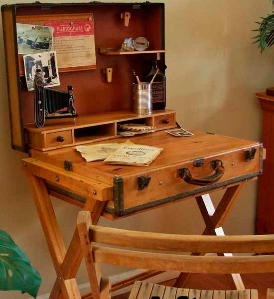 Раскладной стол из чемодана