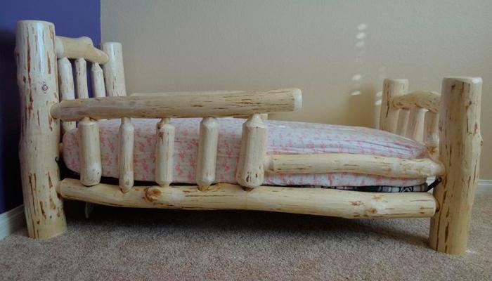 Кроватка из дерева