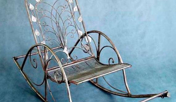 Кресло-качалка из металла