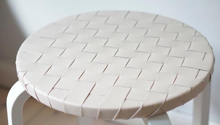 Столик из табурета