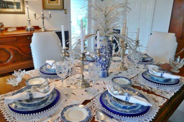 Лучшие идеи для украшения стола на Новый год 2019