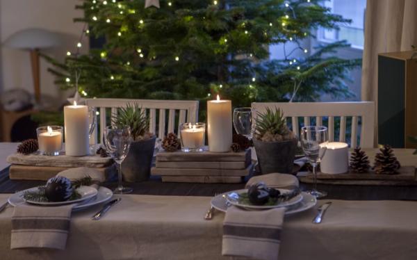 Новогодний стол в скандинавском стиле