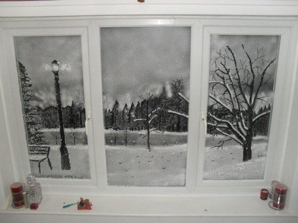 Декор окна снежными рисунками