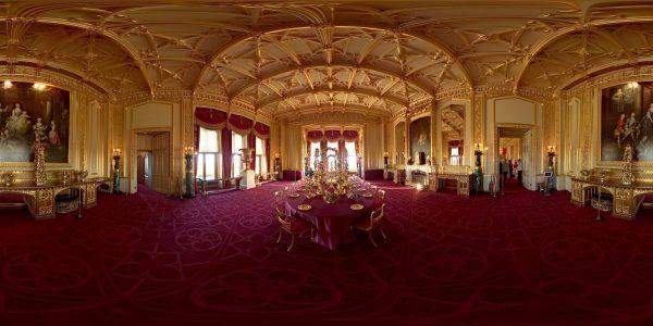 Рассмотрим замки королевской семьи Великобритании