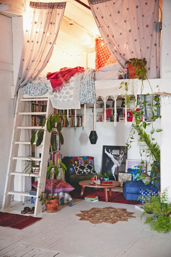 Как обустроить маленькую комнату для двоих взрослых