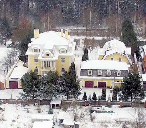 Где живёт Александр Масляков?