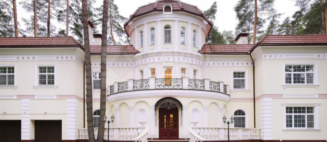 Самые роскошные дома на Рублевке