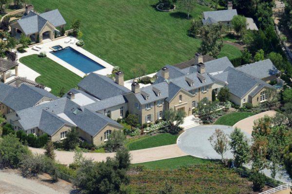 Где живут Ким Кардашьян и Канье Уэст