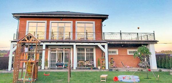 Новый дом Прилучного и Муцениеце