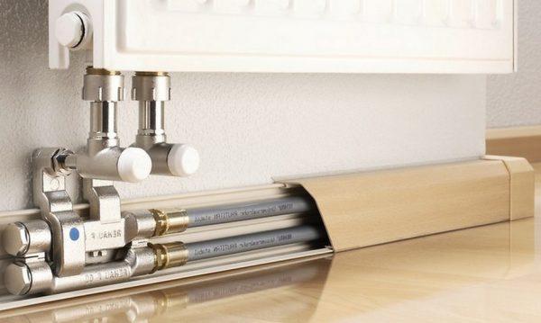 Три способа спрятать трубы в частном доме