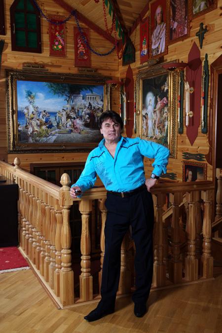 Шикарный дом Александра Серова