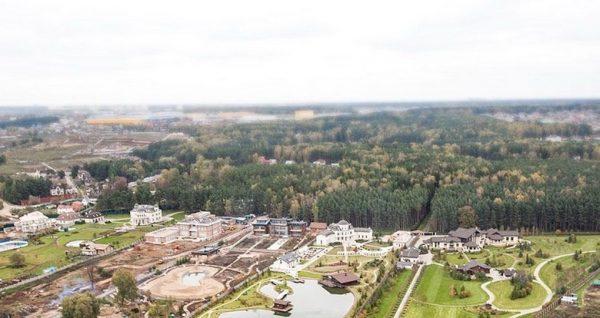 Красивый дворец Вячеслава Володина