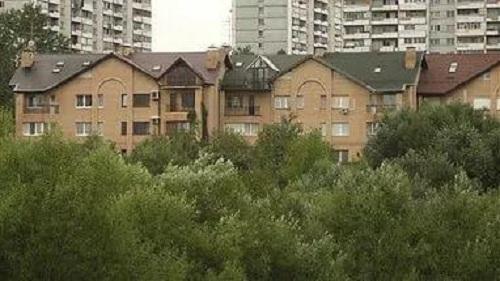 Где живет Владимир Жириновский?