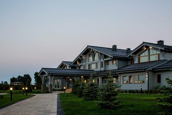 Где живет Олег Тиньков