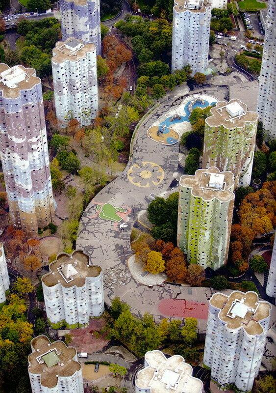 Топ самых страшных зданий мира