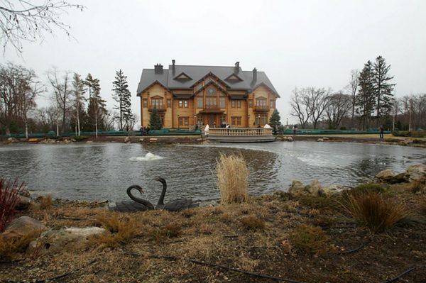 Роскошные особняки Петра Порошенко