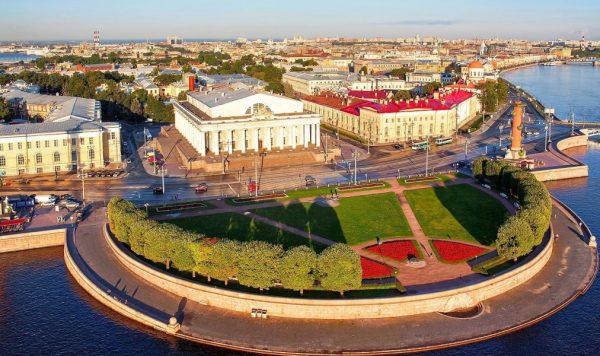 Роскошные особняки и земли Людмилы Путиной