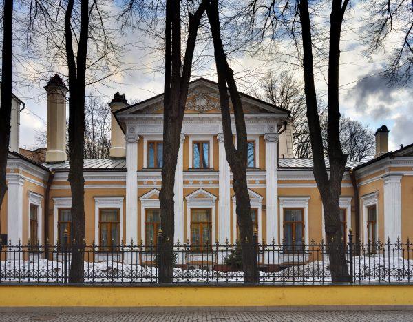 Где живет Патриарх Кирилл