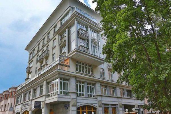 Где и как живет Надежда Михалкова