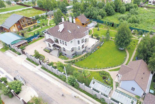 Столичная квартира и загородный дом Фёдора Добронравова