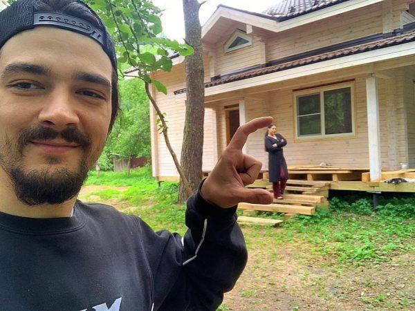 Как выглядит дом Инны Воловичевой