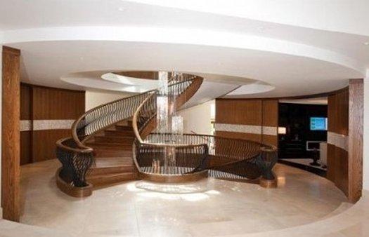Подземный дом футболиста Гари Невилла