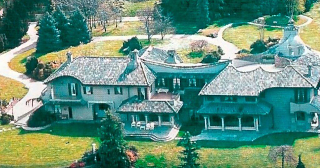 Как выглядит шикарный дом Адриано Челентано