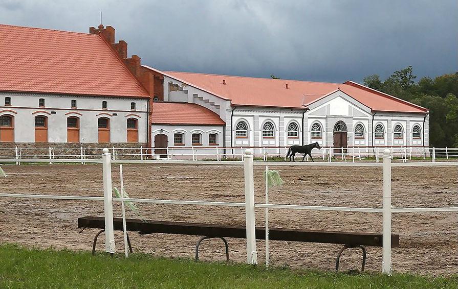 Как выглядит шикарный дом Юрия Лужкова