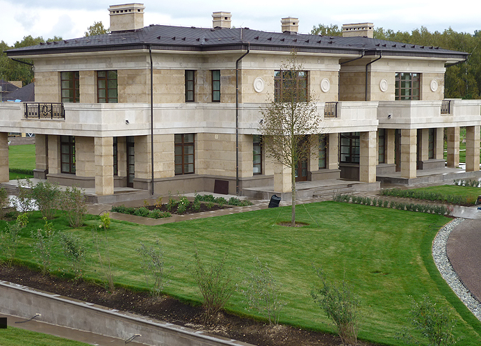 Как выглядит роскошный дом экс-главы РЖД Владимира Якунина