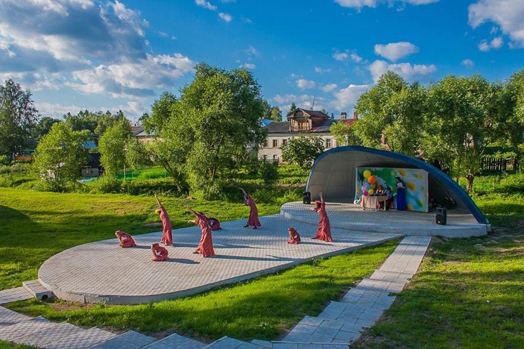 Как выглядит дом оперной певицы Любови Казарновской