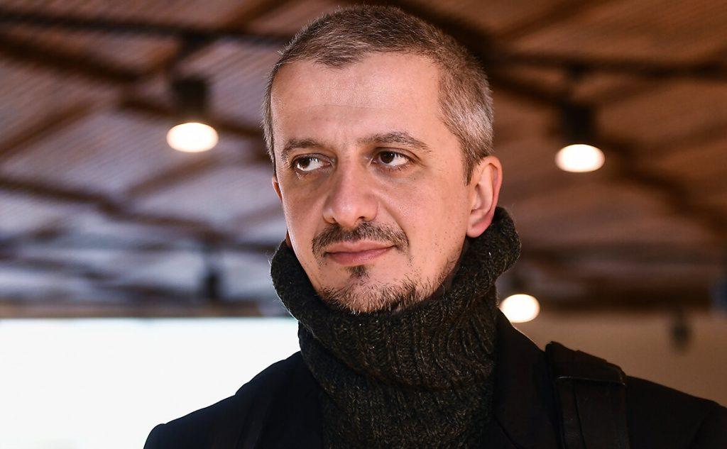 Где живет новый избранник Ксении Собчак режиссёр Константин Богомолов