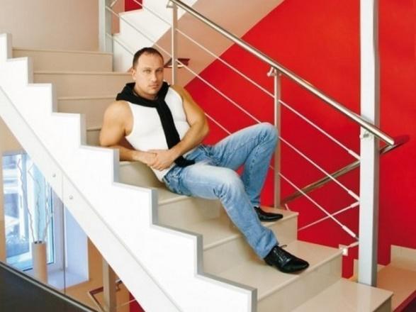 Как живет актер и шоумен Дмитрий Нагиев