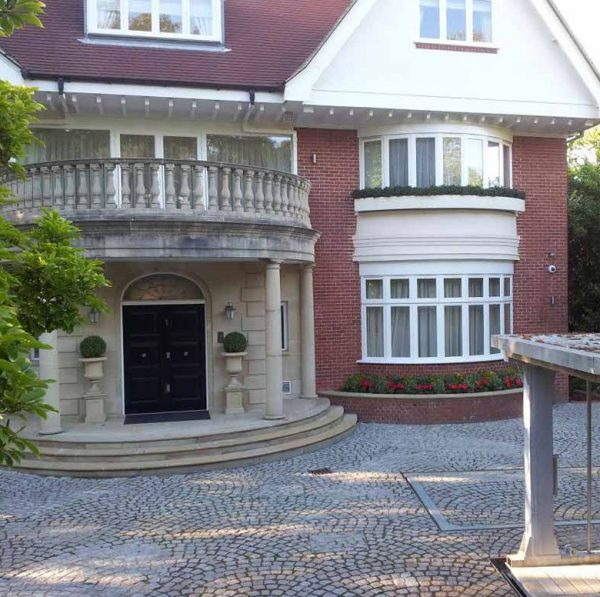 Где живет старшая дочь президента Азербайджана Алиева Лейла