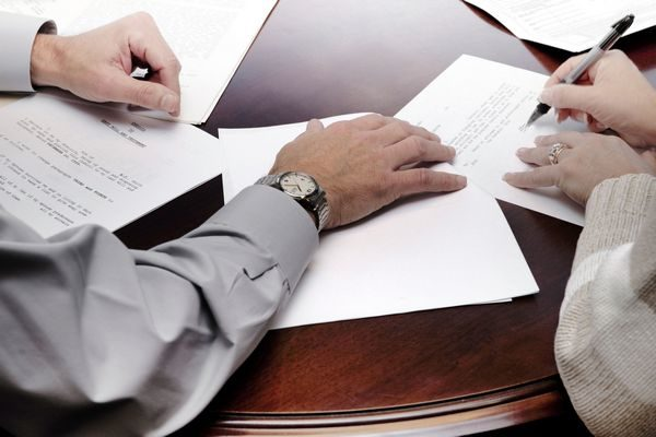 Что делать если нотариус отказался удостоверять сделку по недвижимости?