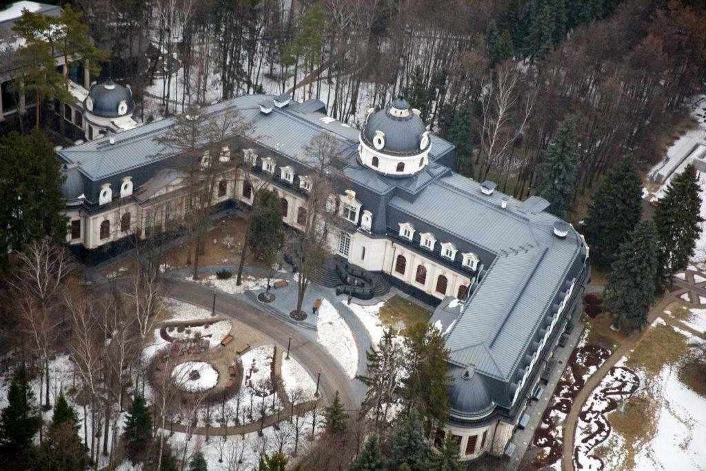 Стоимость самых дорогих особняков России