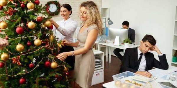 Как украсить своими руками офис на Новый год 2021