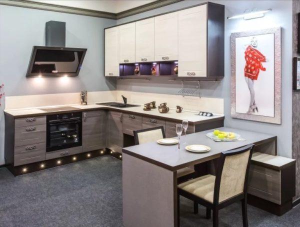 Как обустроить кухню совмещенную с гостиной в частном доме