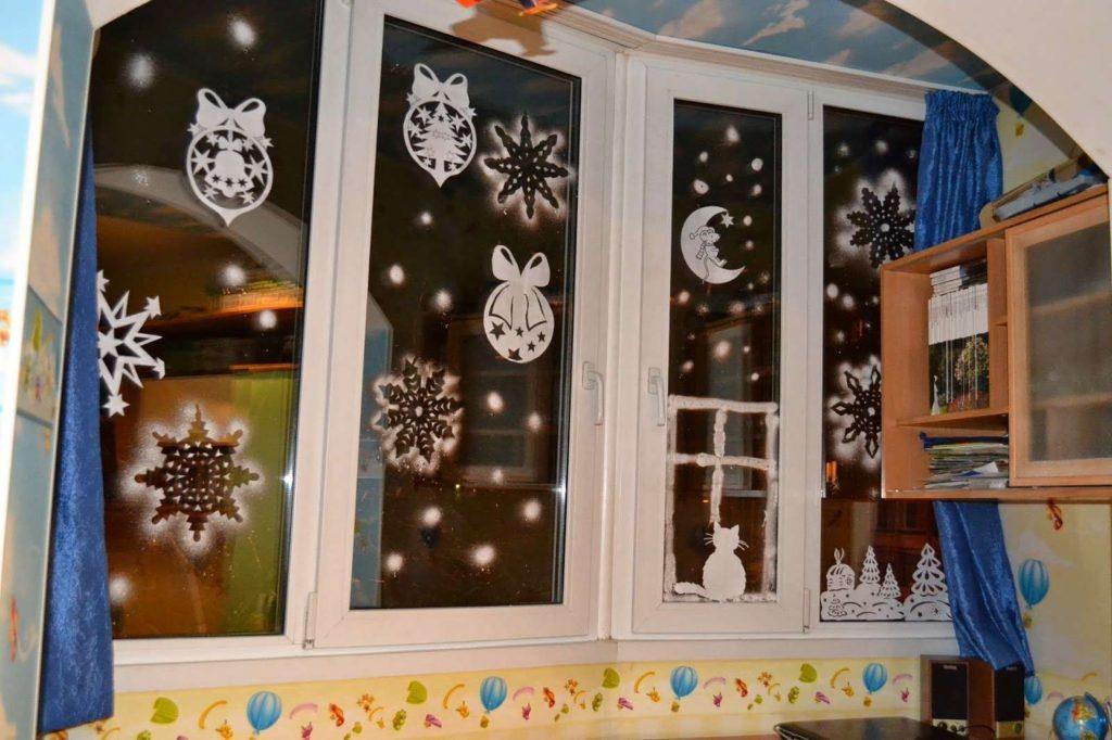 Как украсить дом к Новому году, не потратив ни копейки