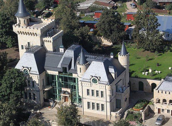 Пятерка самых роскошных домов мужчин-знаменитостей