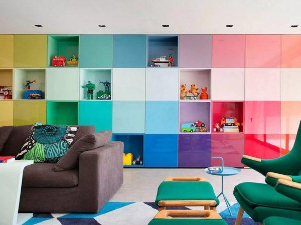 Добавьте красок: примеры яркого интерьера, от которого не устаешь