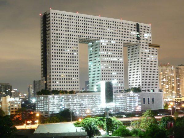20 самых уродливых зданий в мире