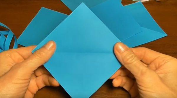 Интересные поделки из бумаги на Новый год 2021 своими руками